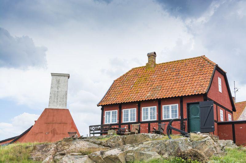 Gemütlichkeit und Geselligkeit in Dänemarks naturnahen Ferienhäusern